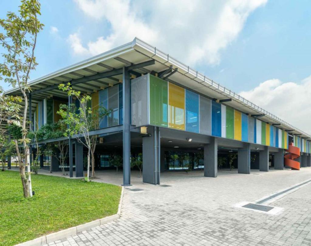 """تم استخدام منتجات تكنوبانل في """"مركز ستار للابتكارات"""" الحاصل على جائزة الجدارة."""