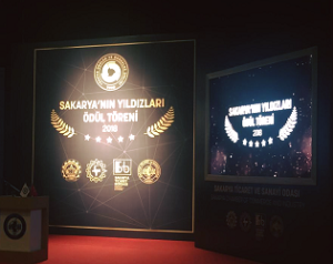 Sakarya'nın Yıldızları Ödül Töreni'nde, Teknopanel ödülünü aldı.